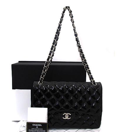 Chanel(샤넬) A58600Y06830 블랙 페이던트 클래식 점보 사이즈 은장 체인 숄더백 [부천현대매장]