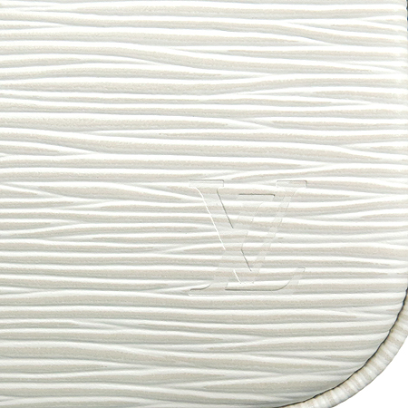 Louis Vuitton(루이비통) M4077J 에삐 레더 포쉐트 악세수아 NM 파우치 숄더백 이미지5 - 고이비토 중고명품