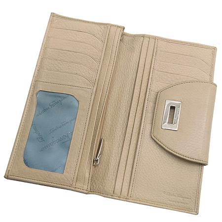 Ferragamo(페라가모) 22 4209 은장 간치니 장식 장지갑 [강남본점] 이미지4 - 고이비토 중고명품