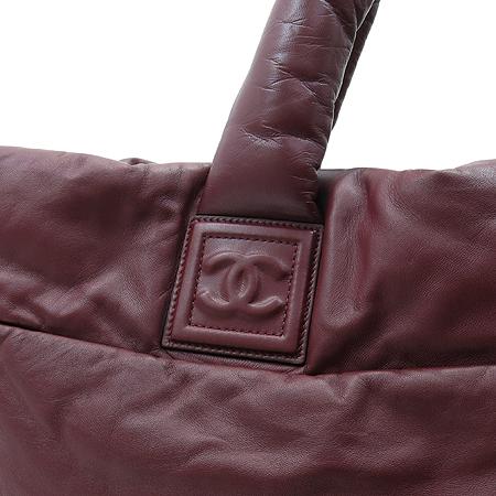Chanel(샤넬) 블랙 / 와인 양면 램스킨 레더 코쿤 퀼팅 토트백 이미지4 - 고이비토 중고명품