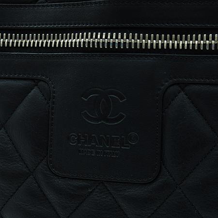 Chanel(샤넬) 블랙 / 와인 양면 램스킨 레더 코쿤 퀼팅 토트백 이미지7 - 고이비토 중고명품