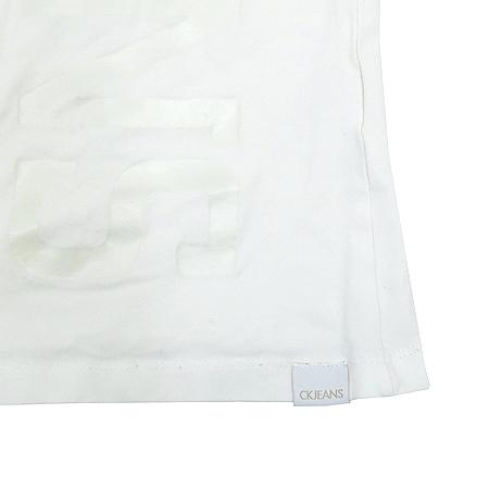 Calvin Klein(캘빈클라인) 화이트 컬러 티 이미지3 - 고이비토 중고명품