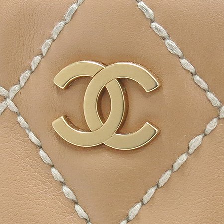 Chanel(샤넬) 금장 COCO로고 와일드 스티치 바겟 토트백 [부산본점]