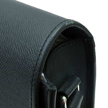 Louis Vuitton(루이비통) M32482 타이가 그레이 안드레이 크로스백 이미지3 - 고이비토 중고명품