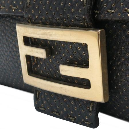 Fendi(펜디) 8BR101 셀러리아 금장 로고 장식 골드 퍼포 누빔스티치 레더 숄더백