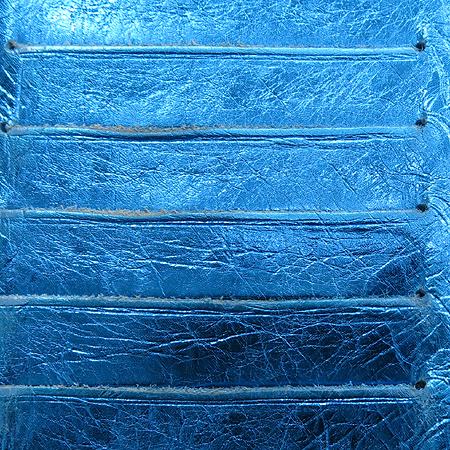 Chanel(샤넬) A46896 블루 메탈릭 은장 로고 장식 장지갑