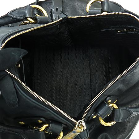 Prada(프라다) BR4281 금장 로고 장식 블랙 레더 2-WAY 이미지6 - 고이비토 중고명품