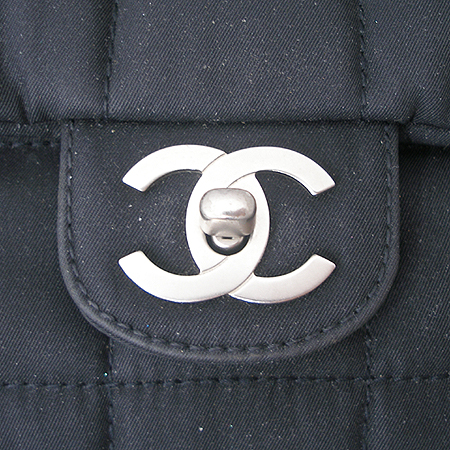 Chanel(샤넬) 클래식 패브릭 은장 체인 숄더백