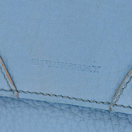 Burberry(버버리) 스카이블루 레더 은장 스터드장식 반지갑