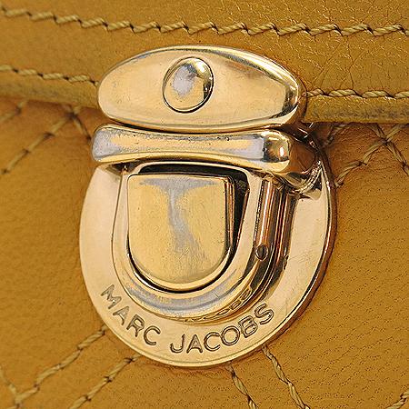 Marc_Jacobs (마크제이콥스) 엘로우 레더 퀼팅 금장 버클장식 반지갑 [강남본점] 이미지3 - 고이비토 중고명품