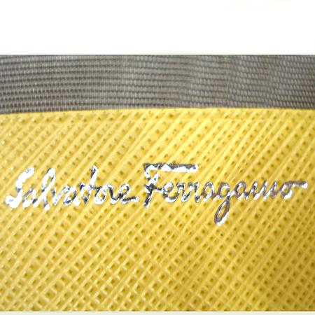 Ferragamo(페라가모) 22 4639 사피아노 은장 간치니 버클 장식 반지갑