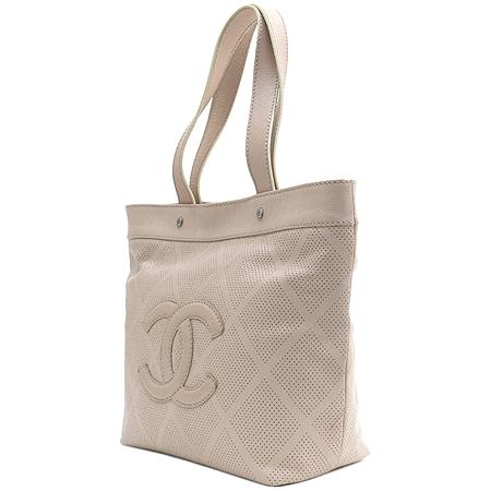 Chanel(샤넬) COCO 로고 캐비어 스킨 퍼포 바겟 숄더백 [부산센텀본점] 이미지2 - 고이비토 중고명품