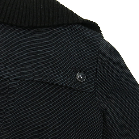 Marc by Marc Jacobs(마크바이마크제이콥스) 블랙컬러 자켓