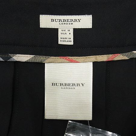 Burberry(버버리) 블랙컬러 주름 스커트 이미지4 - 고이비토 중고명품