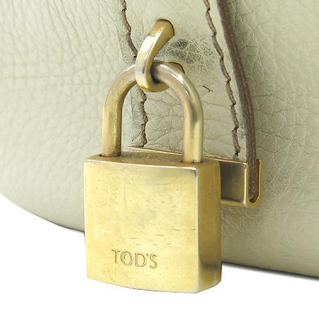 Tod's(토즈) 더블 포켓 스티치 장식 짚업 토트백