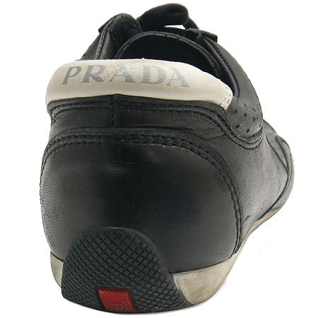 Prada(프라다) 블랙레더 퍼포 화이트 혼합 스니커즈