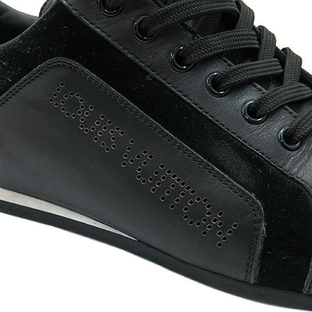 Louis Vuitton(루이비통) LV로고 블랙레더 스웨이드 혼방 로고 퍼포 스니커즈 이미지5 - 고이비토 중고명품