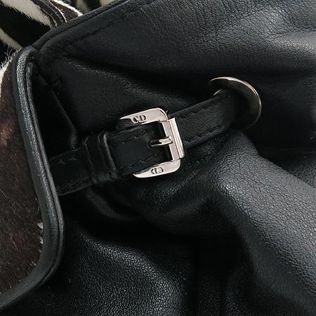 Dior(크리스챤디올) M0104PVPO M980 은장 로고 장식 송치 블랙 레더 복조리 숄더백