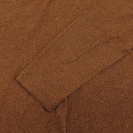 CODES COMBINE(코데즈컴바인) 브라운 컬러 브이넥 티