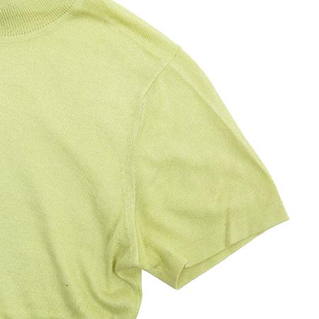 HCE(헬레나 캐시미어) 실크&캐미시머 혼방 옐로우 컬러 터틀넥 반팔 티 이미지3 - 고이비토 중고명품