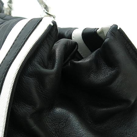 Chanel(샤넬) A47921 램스킨 블랙 로고스티치 LIDO(리도) 은장체인 숄더백 [부산센텀본점] 이미지7 - 고이비토 중고명품