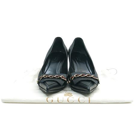 Gucci(구찌) 154304 삼색 스티치 금장 체인 장식 블랙 레더 여성용 펌프스