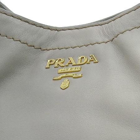 Prada(프라다) BR4691 그레이컬러 SOFT CALF 레더 금장로고 숄더백 [명동매장] 이미지4 - 고이비토 중고명품