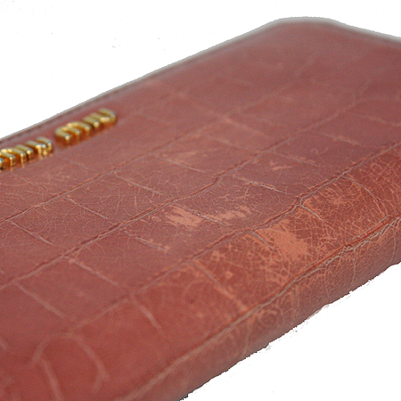 MiuMiu(미우미우) 크로커다일 패턴 페이던트 집업 장지갑 [강남본점] 이미지3 - 고이비토 중고명품