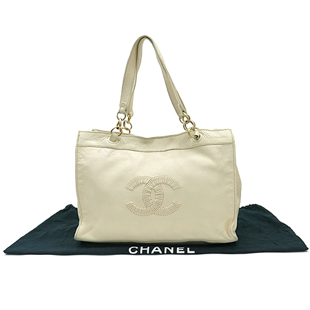 Chanel(샤넬)  아이보리 컬러 레더 금장 체인 사각 숄더백