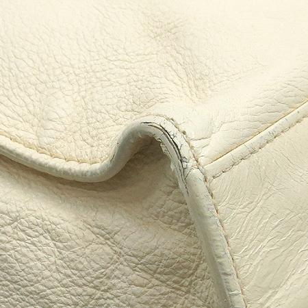 Chanel(샤넬)  아이보리 컬러 레더 금장 체인 사각 숄더백 이미지6 - 고이비토 중고명품