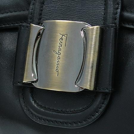 Ferragamo(페라가모) 21 C045 은장 바라 장식 블랙 레더 토트백