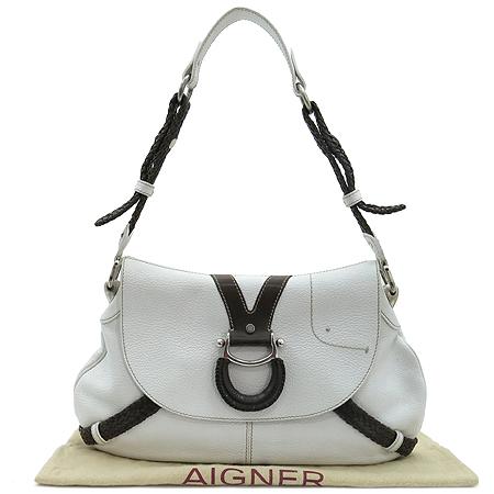 Aigner(아이그너) 누빔 스티치 로고 장식 화이트 레더 숄더백