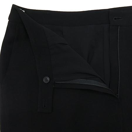 UVA(우바) 블랙 컬러 반팔 정장