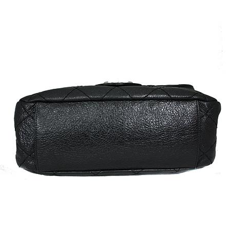 Chanel(샤넬) 은장 COCO 로고 블랙 레더 퀼팅 숄더백 [명동매장] 이미지4 - 고이비토 중고명품