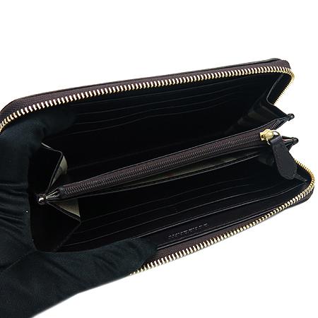 Burberry(버버리) 37991191 금장 로고 다크 브라운 레더 집업 장지갑 이미지6 - 고이비토 중고명품