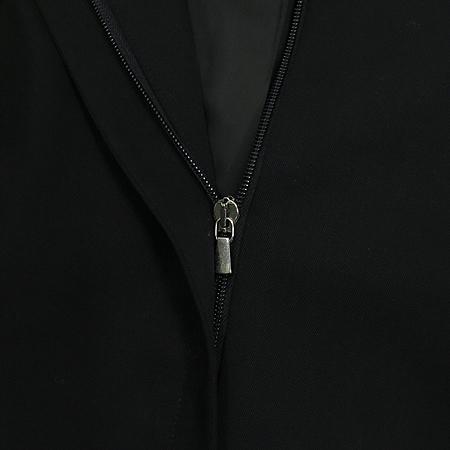 Emporio Armani(엠포리오 아르마니) 블랙컬러 집업 정장 이미지5 - 고이비토 중고명품