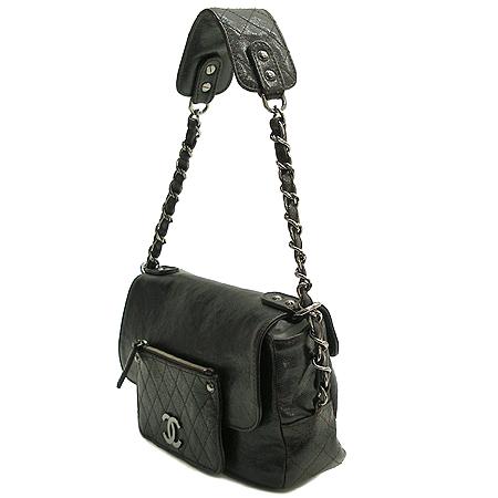 Chanel(샤넬) 캐비어스킨 다크브라운 원 포켓 짚업 은장로고 체인 숄더백 이미지3 - 고이비토 중고명품