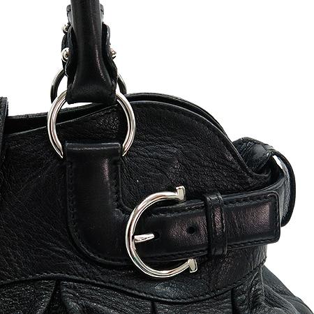 Ferragamo(페라가모) 21 5370 은장 간치니 장식 블랙 레더 토트백 [명동매장]