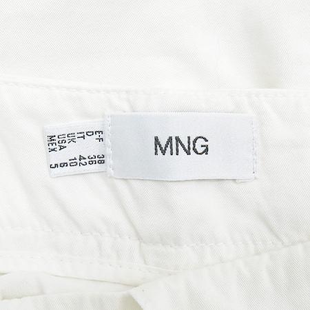 MNG(망고) 화이트 컬러 카고 바지 이미지3 - 고이비토 중고명품