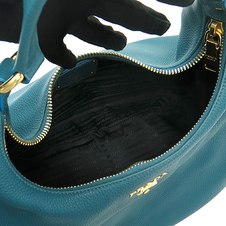 Prada(프라다) BR4314 금장 로고 장식 코발트블루 레더 숄더백[명동]