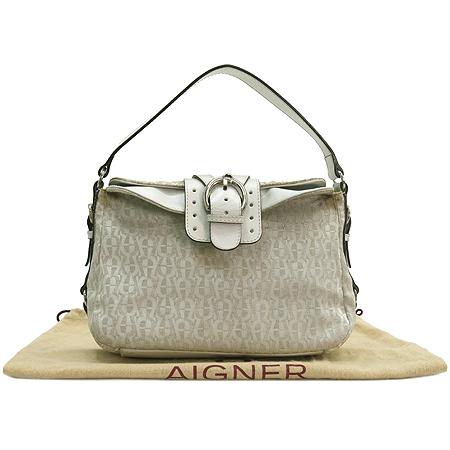 Aigner(아이그너) 화이트 패브릭 로고 숄더백