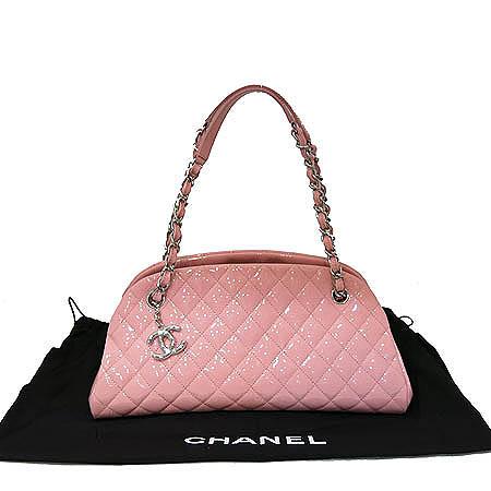 Chanel(샤넬) A50557 마드모아젤 페이던트 M사이즈 볼링 숄더백
