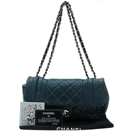 Chanel(샤넬) 은장 COCO 로고 장식 퍼포 레더 은장 체인 숄더백