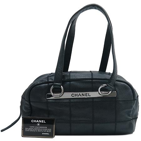 Chanel(샤넬) 은장 이니셜 로고 소프트 캐비어스킨 누빔 스티치 숄더백