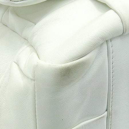 Chanel(샤넬) 크루즈 컬렉션 화이트 램스킨 은장 체인 숄더백