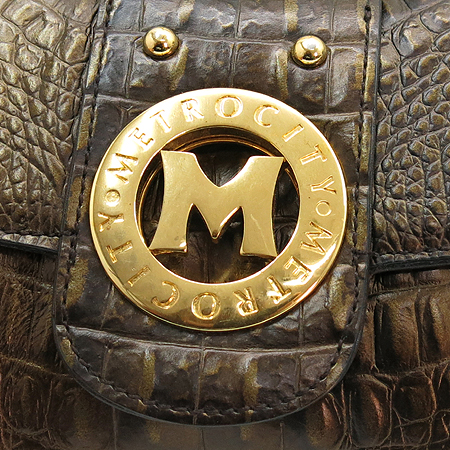 Metrocity(메트로시티) 금장 로고 장식 크로커다일 문양 골드 매탈릭 숄더백