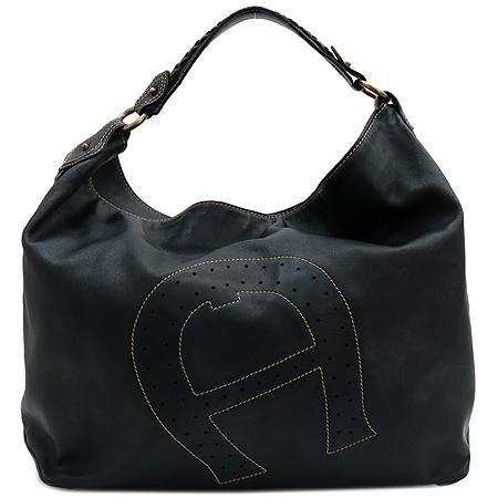Aigner(아이그너) 블랙 레더 퍼포 스티치 로고 장식 숄더백 이미지2 - 고이비토 중고명품