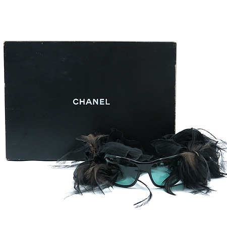 Chanel(샤넬) A38056X01081 런웨이 Modele Plume numero 5 선글라스