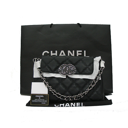 Chanel(샤넬) A66129Y0810494305 COCO로고 블랙 램스킨 햄튼 체인 숄더백