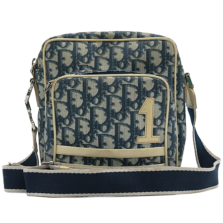 Dior(크리스챤디올) 로고 패턴 PVC 측면 은장 로고 장식 크로스백